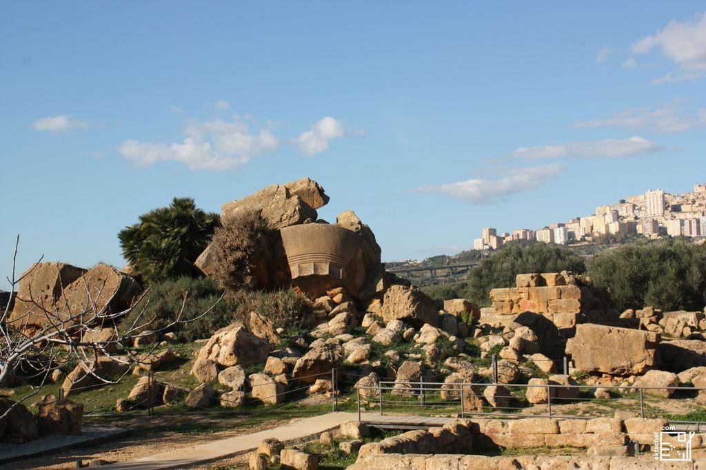 وادي المعابد ـ بقايا معبد زيوس