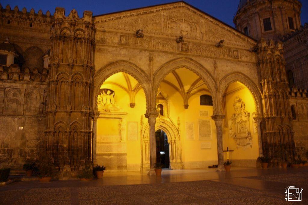مدخل كاتيدرائية باليرمو