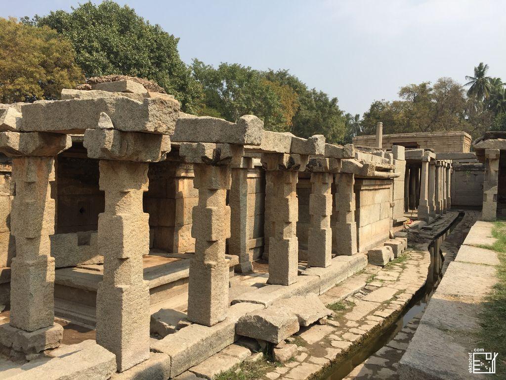 India - Hampi - Underground Shiva Temple